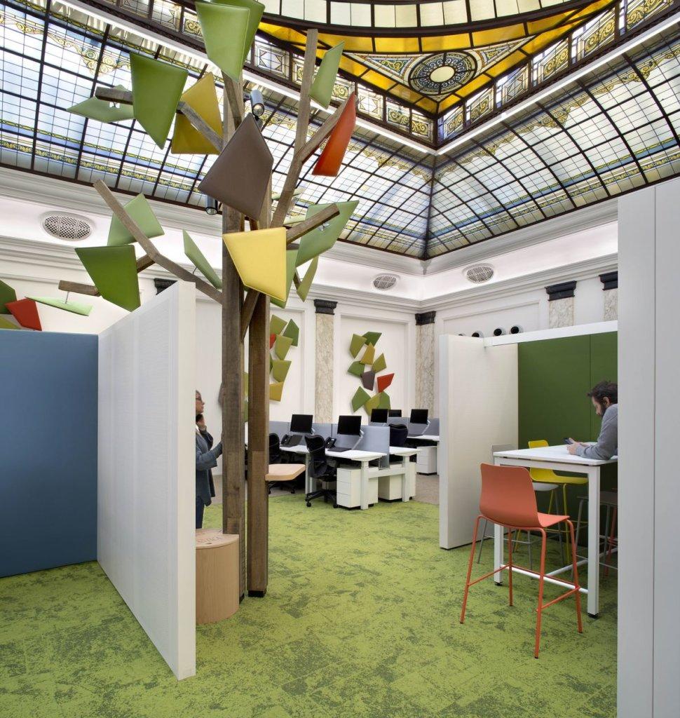 Il bosco e il cielo in ufficio pr il progetto di Consuline e Revalue