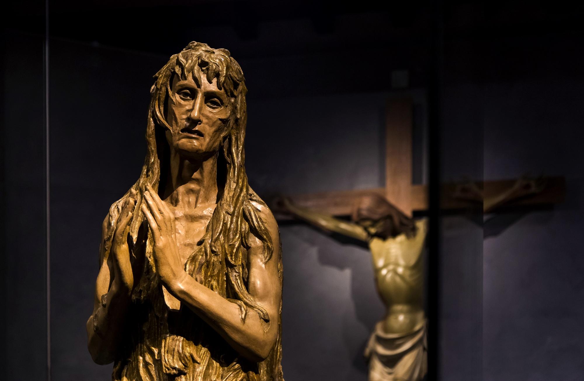 Maddalena di Donatello del Museo del Duomo di Firenze illuminata