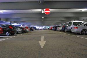 Telecamere lettura targhe per il controllo accessi alle aree parcheggio