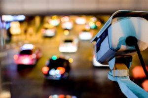 Sicurezza stradale: telecamere per il monitoraggio del traffico urbano
