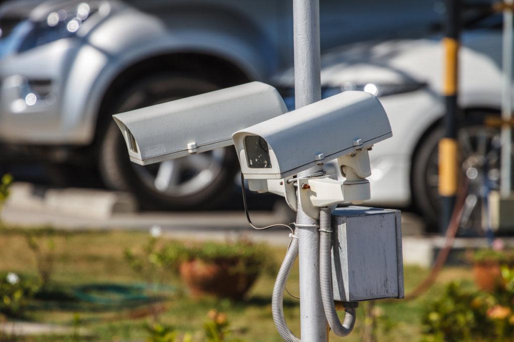 telecamera di videosorveglianza per posti auto