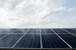 Energie rinnovabili in Italia: come funziona e quanto costa il sistema di incentivazione