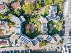 Edilizia e rinnovabili per la transizione energetica delle città